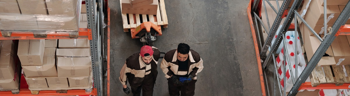 funcionários centro logistica